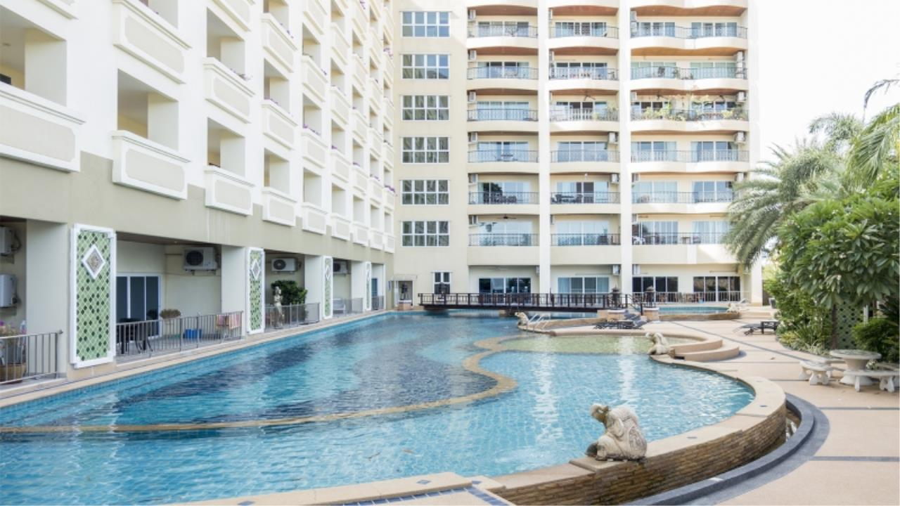 RE/MAX Town & Country Property Agency's Nice condo for sale in Jomtien 6