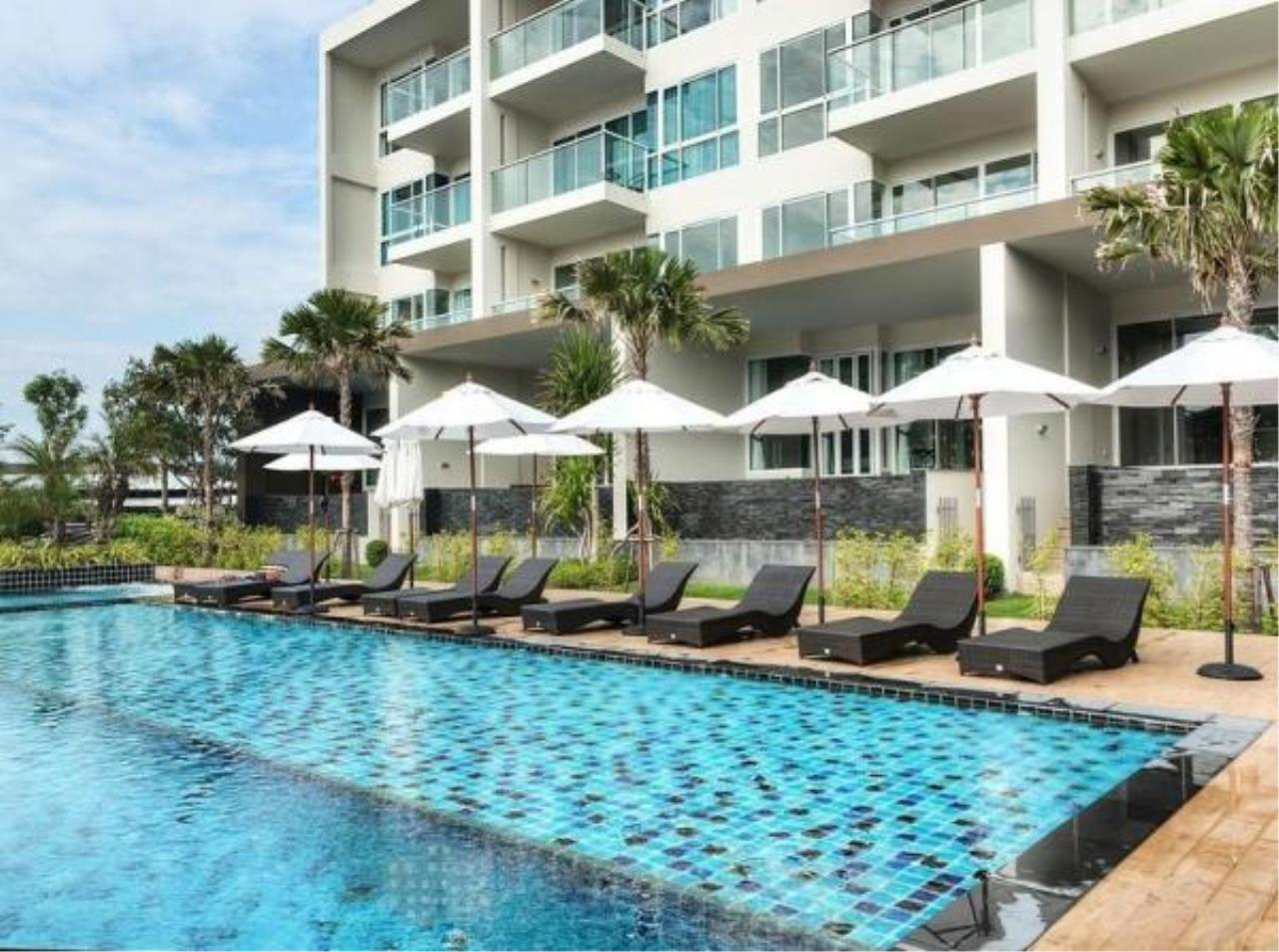 RE/MAX Town & Country Property Agency's Luxury Sea View apartment in Jomtien 5