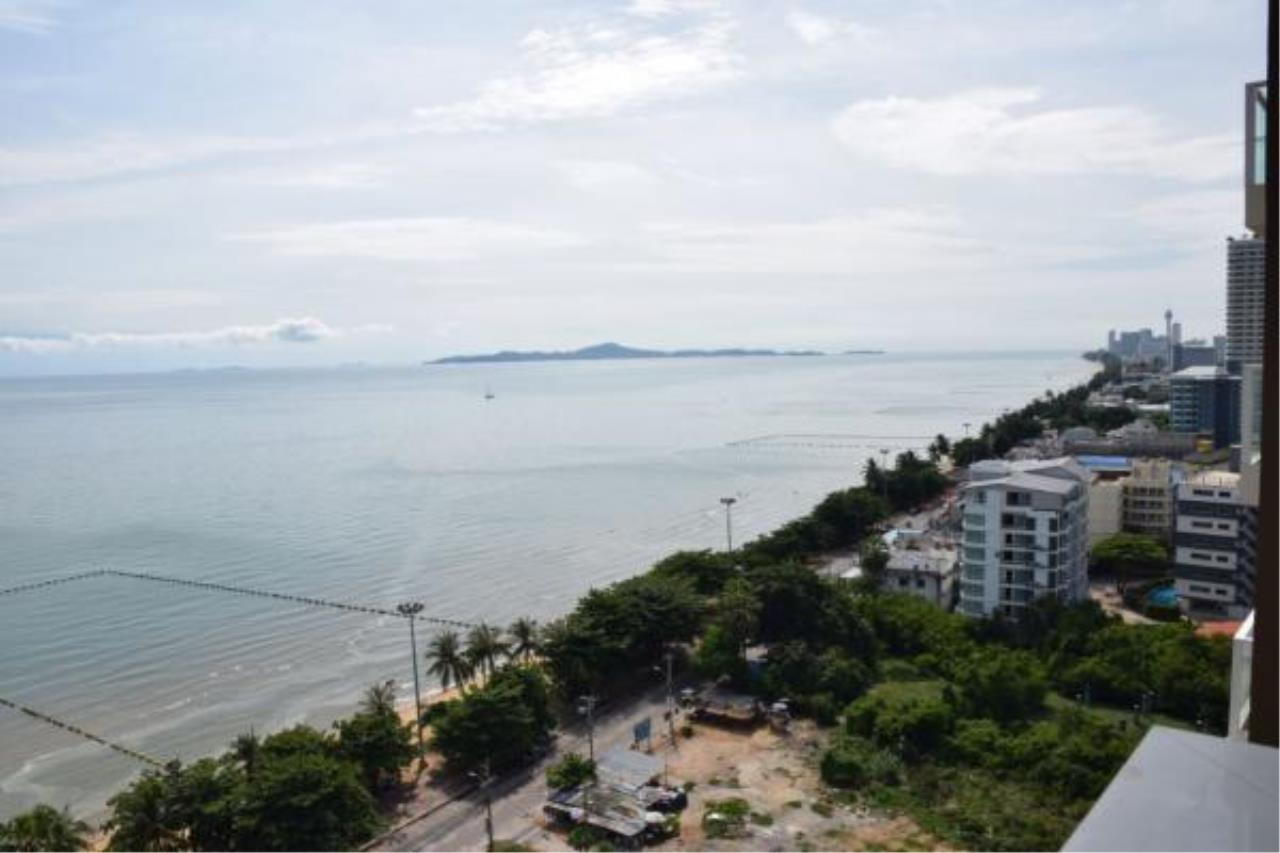 RE/MAX Town & Country Property Agency's Luxury Sea View apartment in Jomtien 7