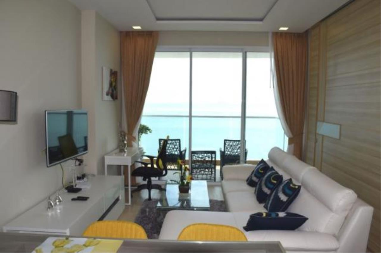 RE/MAX Town & Country Property Agency's Luxury Sea View apartment in Jomtien 9