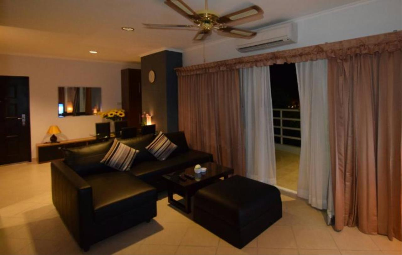 RE/MAX Town & Country Property Agency's Corner unit for sale in jomtien 2