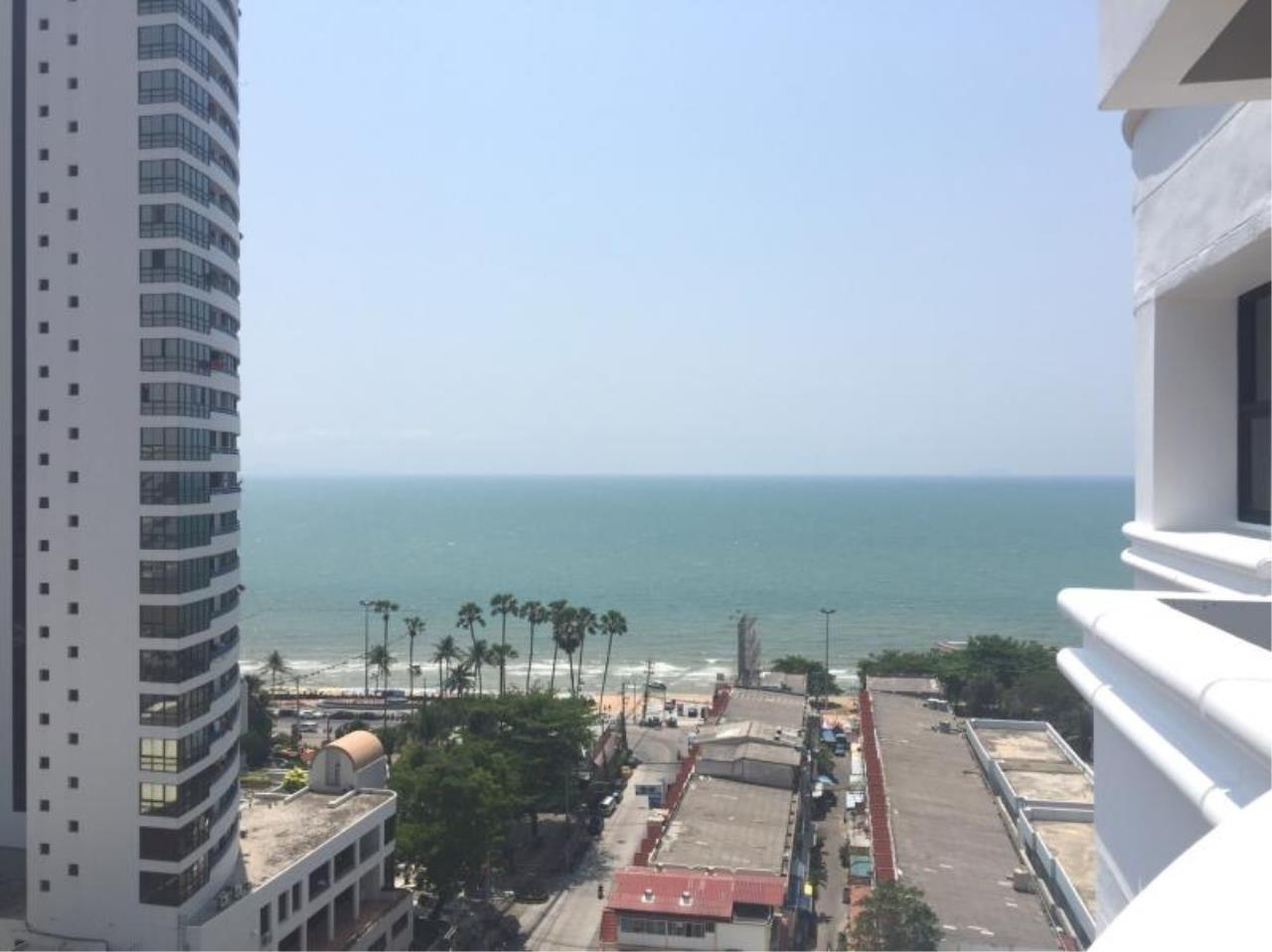 RE/MAX Town & Country Property Agency's Nice Sea View Condo Near Jomtien Beach 1