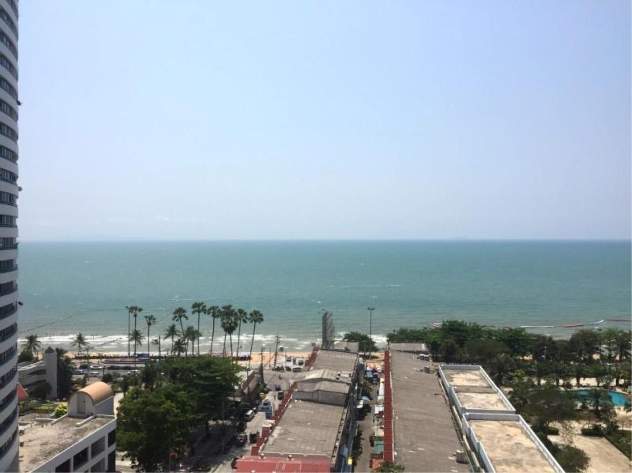 RE/MAX Town & Country Property Agency's Nice Sea View Condo Near Jomtien Beach 2