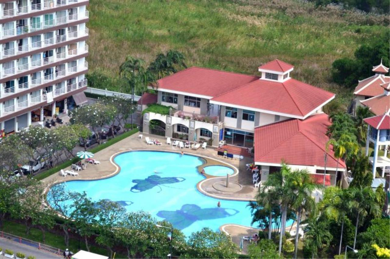 RE/MAX Town & Country Property Agency's Nice Condo near Jomtien beach 4