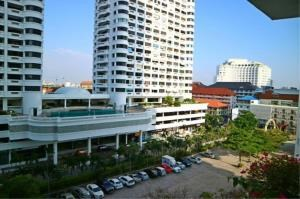RE/MAX Town & Country Property Agency's Sea view condo in Jomtien 3