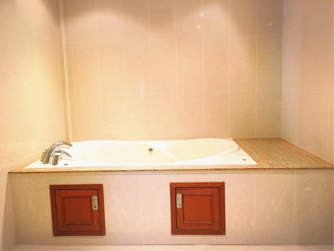 RE/MAX Town & Country Property Agency's Nice 1 bedroom condo in Jomtien 8