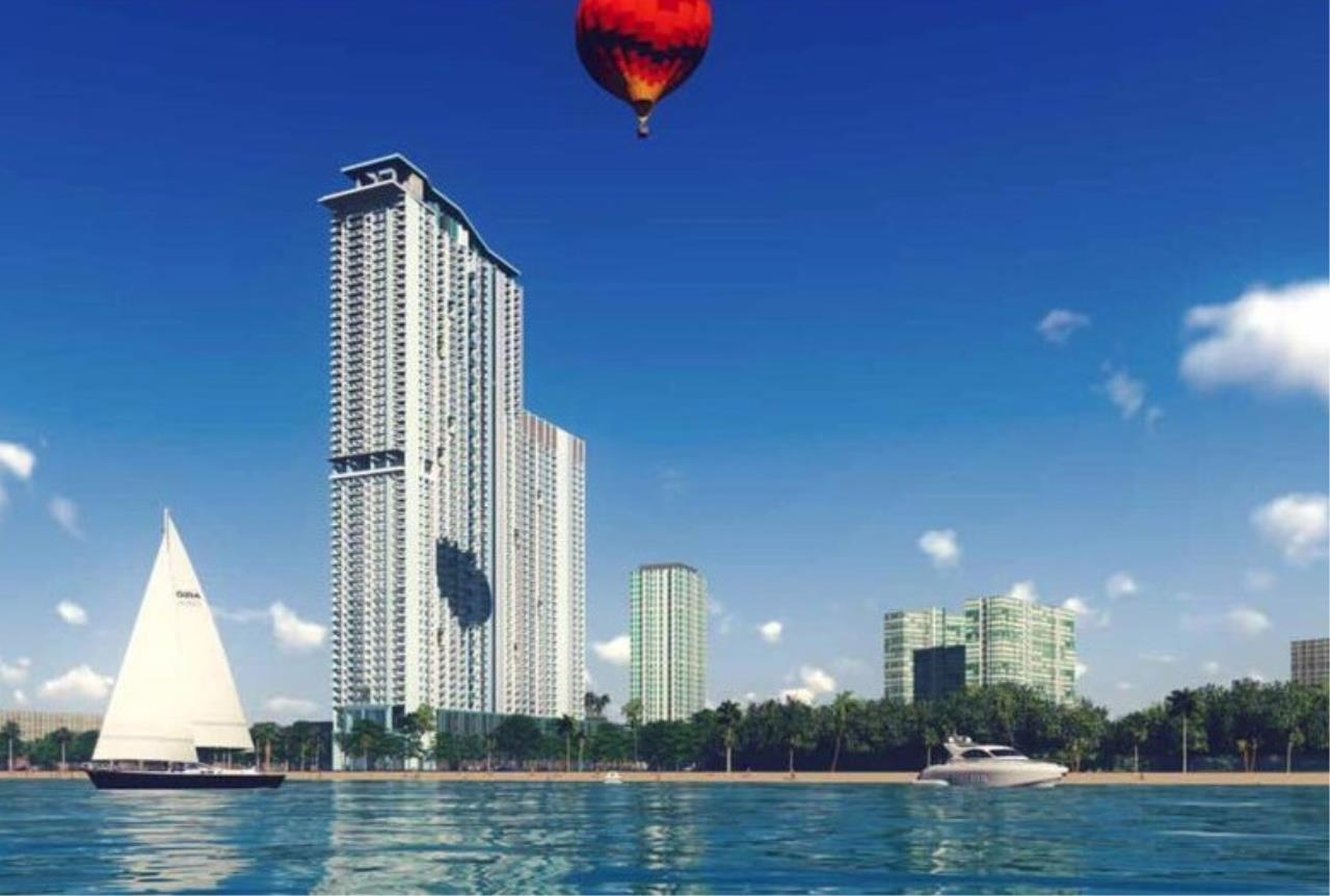 RE/MAX Town & Country Property Agency's Beach front condo for sale 1
