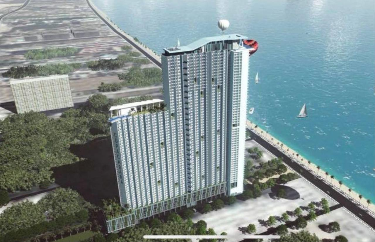 RE/MAX Town & Country Property Agency's Beach front condo for sale 5
