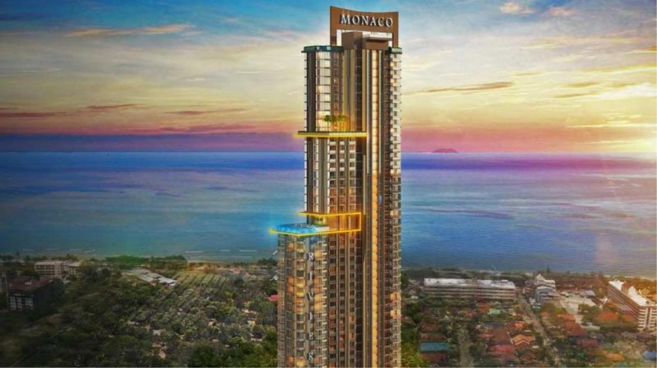 RE/MAX Town & Country Property Agency's Luxury condo in Jomtien 1