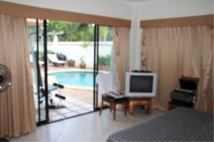 RE/MAX Town & Country Property Agency's Pool villa with 3 large bedrooms 6