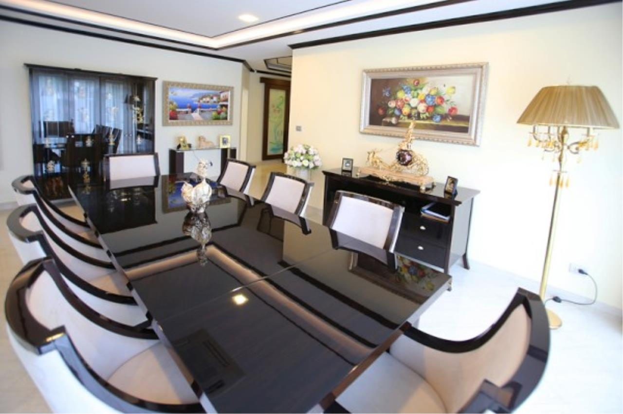 RE/MAX Town & Country Property Agency's Luxury Marina Home 6