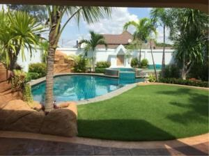 RE/MAX Town & Country Property Agency's Lovely family home in Jomtien. 10