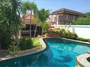 RE/MAX Town & Country Property Agency's Lovely family home in Jomtien. 11