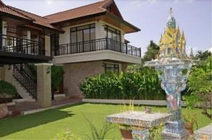 RE/MAX Town & Country Property Agency's ModernThai Bali style 2-storey pool villa 3