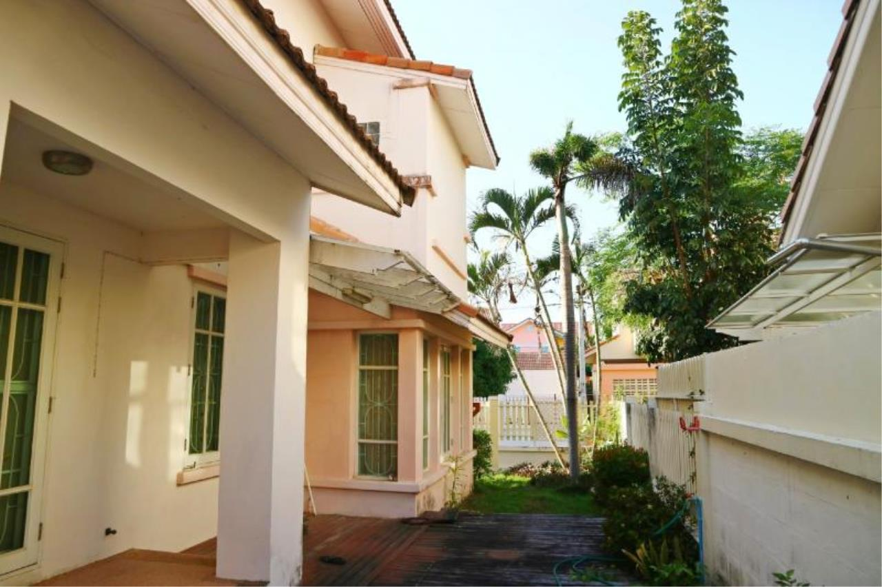 RE/MAX Town & Country Property Agency's 2 Storey house for sale close to the beach 2