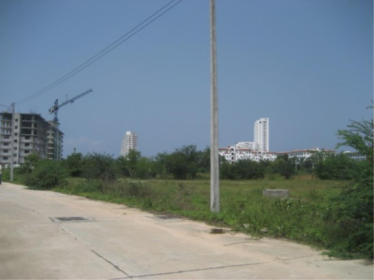 RE/MAX Town & Country Property Agency's Land for sale on Jomtien 7