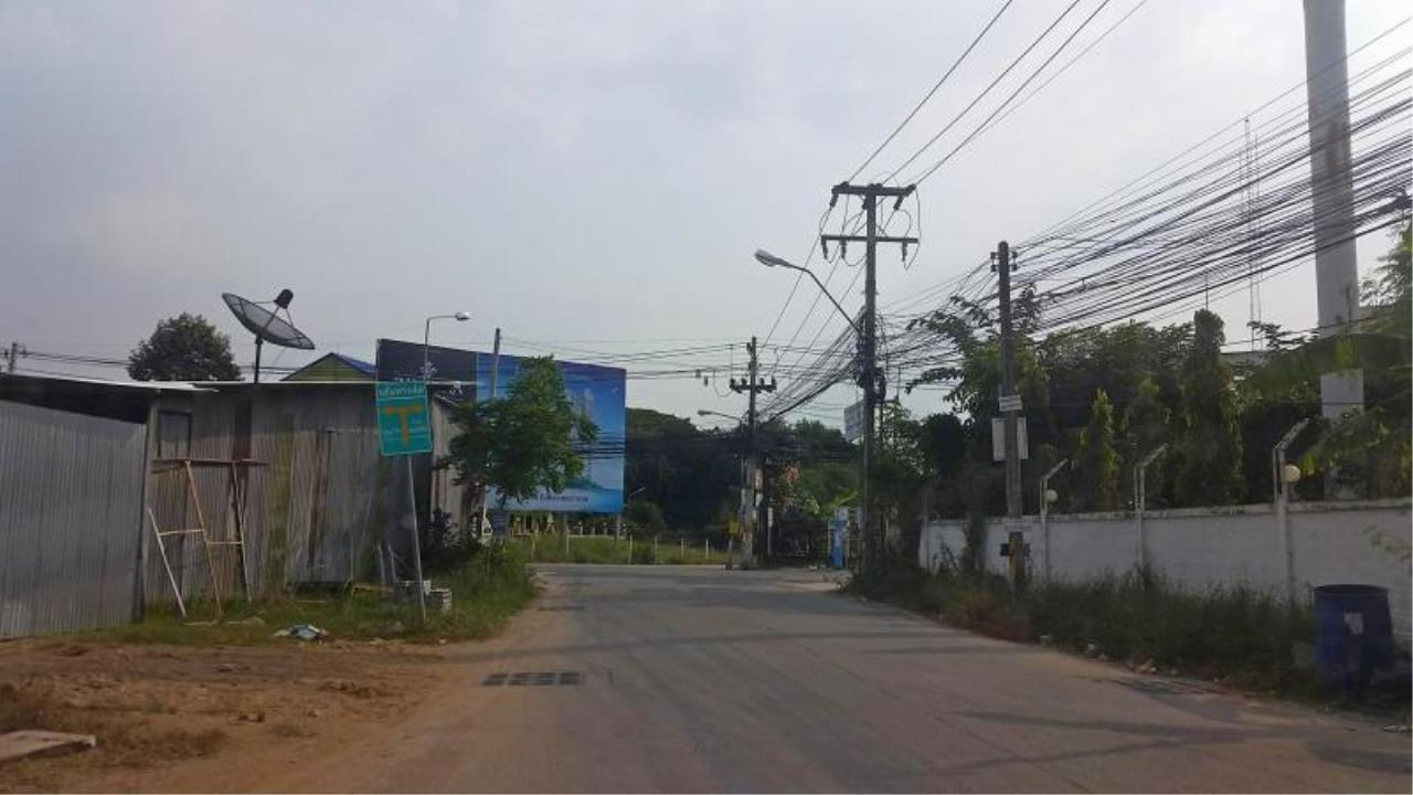 RE/MAX Town & Country Property Agency's Near 2 Rai Jomtien Land - BEST PRICE 3