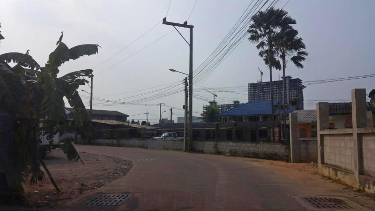 RE/MAX Town & Country Property Agency's Near 2 Rai Jomtien Land - BEST PRICE 4