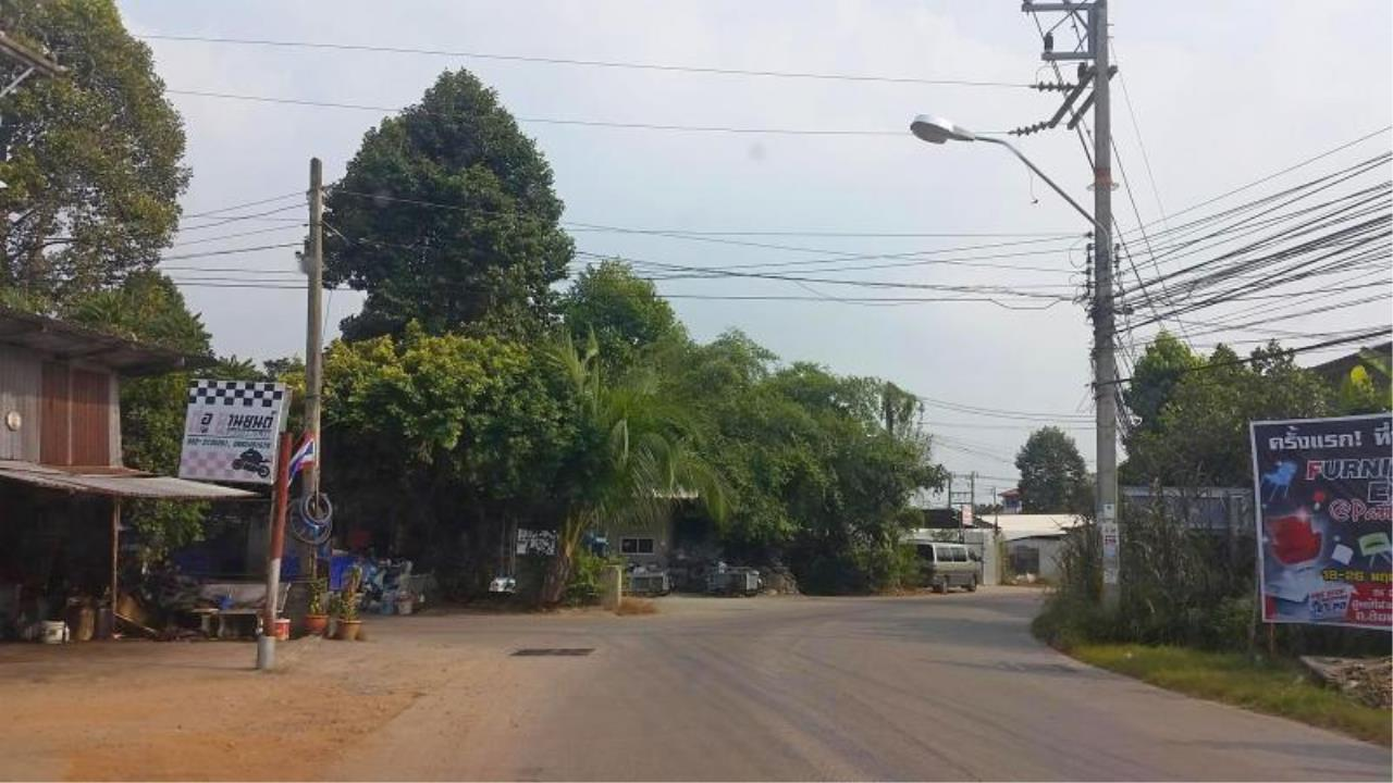 RE/MAX Town & Country Property Agency's Near 2 Rai Jomtien Land - BEST PRICE 5