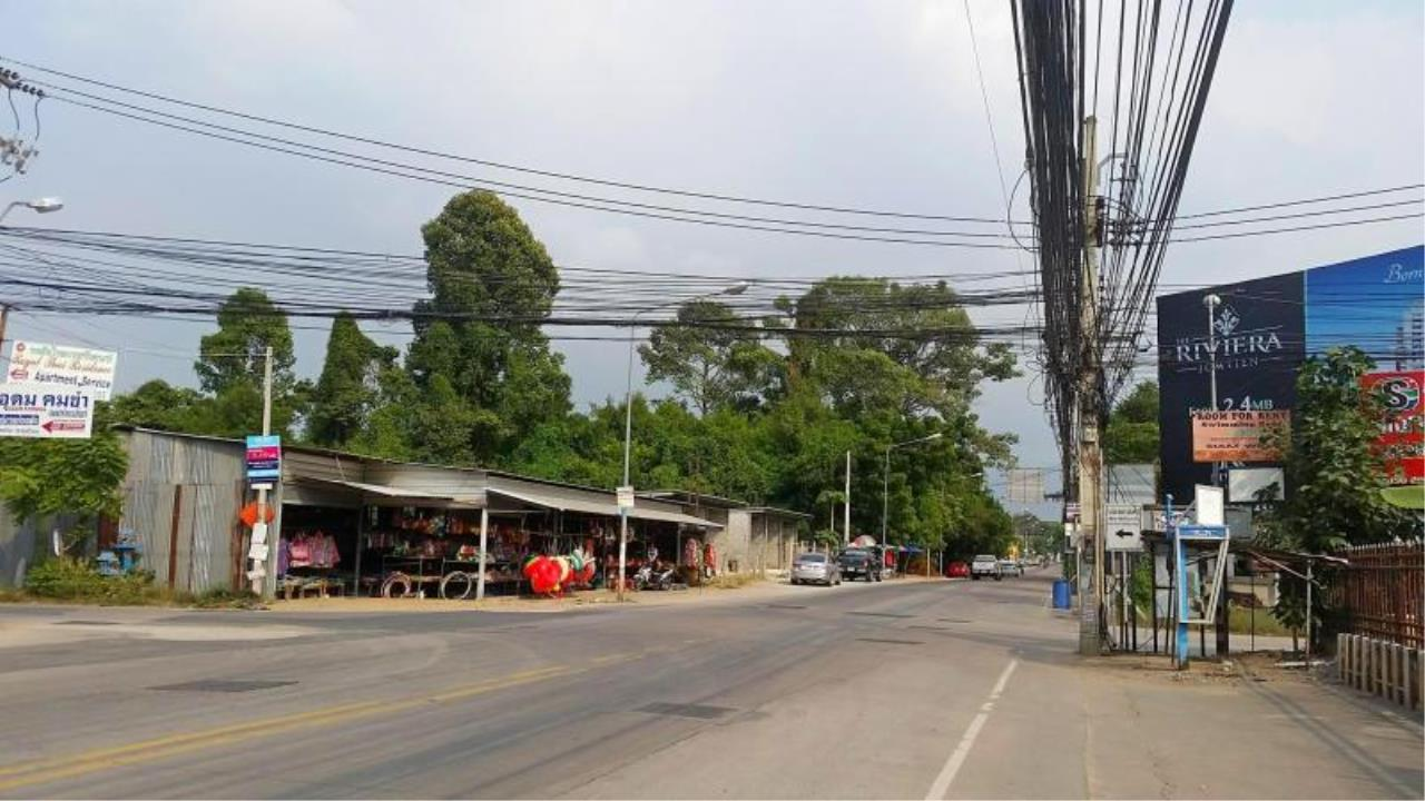 RE/MAX Town & Country Property Agency's Near 2 Rai Jomtien Land - BEST PRICE 6