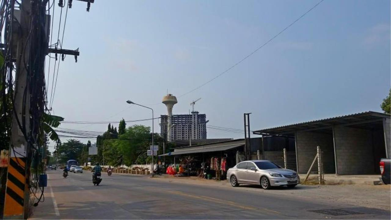 RE/MAX Town & Country Property Agency's Near 2 Rai Jomtien Land - BEST PRICE 8