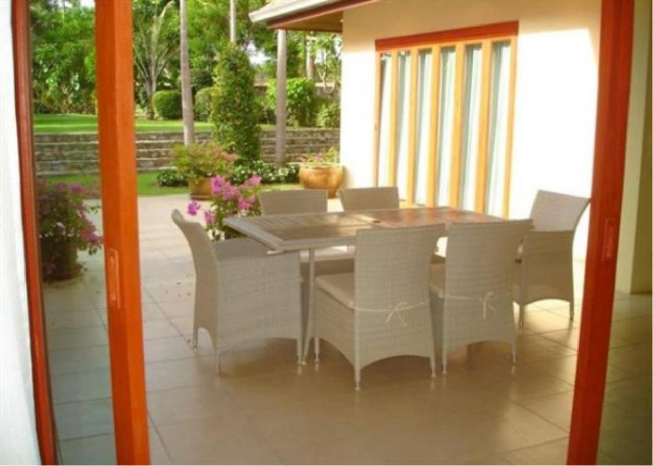 RE/MAX Town & Country Property Agency's Private luxury villa 5