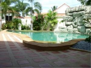 RE/MAX Town & Country Property Agency's Beautiful  bungalow in Pattaya 3