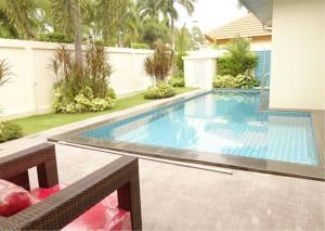 RE/MAX Town & Country Property Agency's 4-bed pool-villa 3