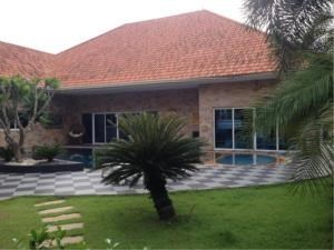 RE/MAX Town & Country Property Agency's Great villa close to Maprachan Lake. 3