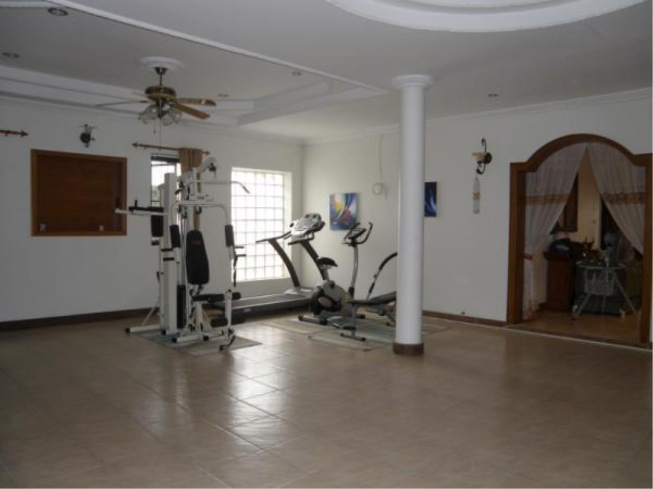 RE/MAX Town & Country Property Agency's Private house and Business Apartment for sale 11