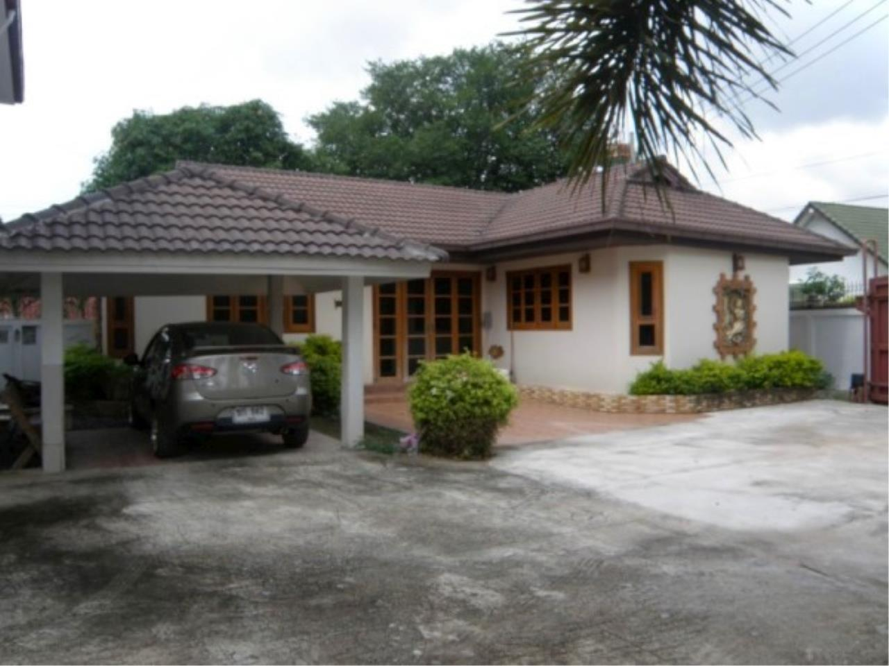 RE/MAX Town & Country Property Agency's Private house and Business Apartment for sale 2