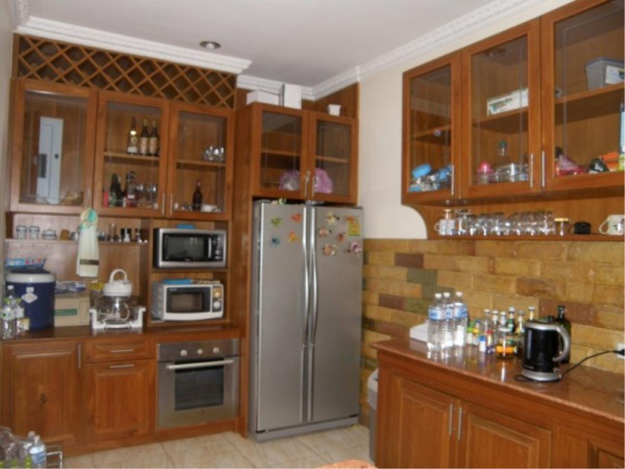 RE/MAX Town & Country Property Agency's Private house and Business Apartment for sale 5