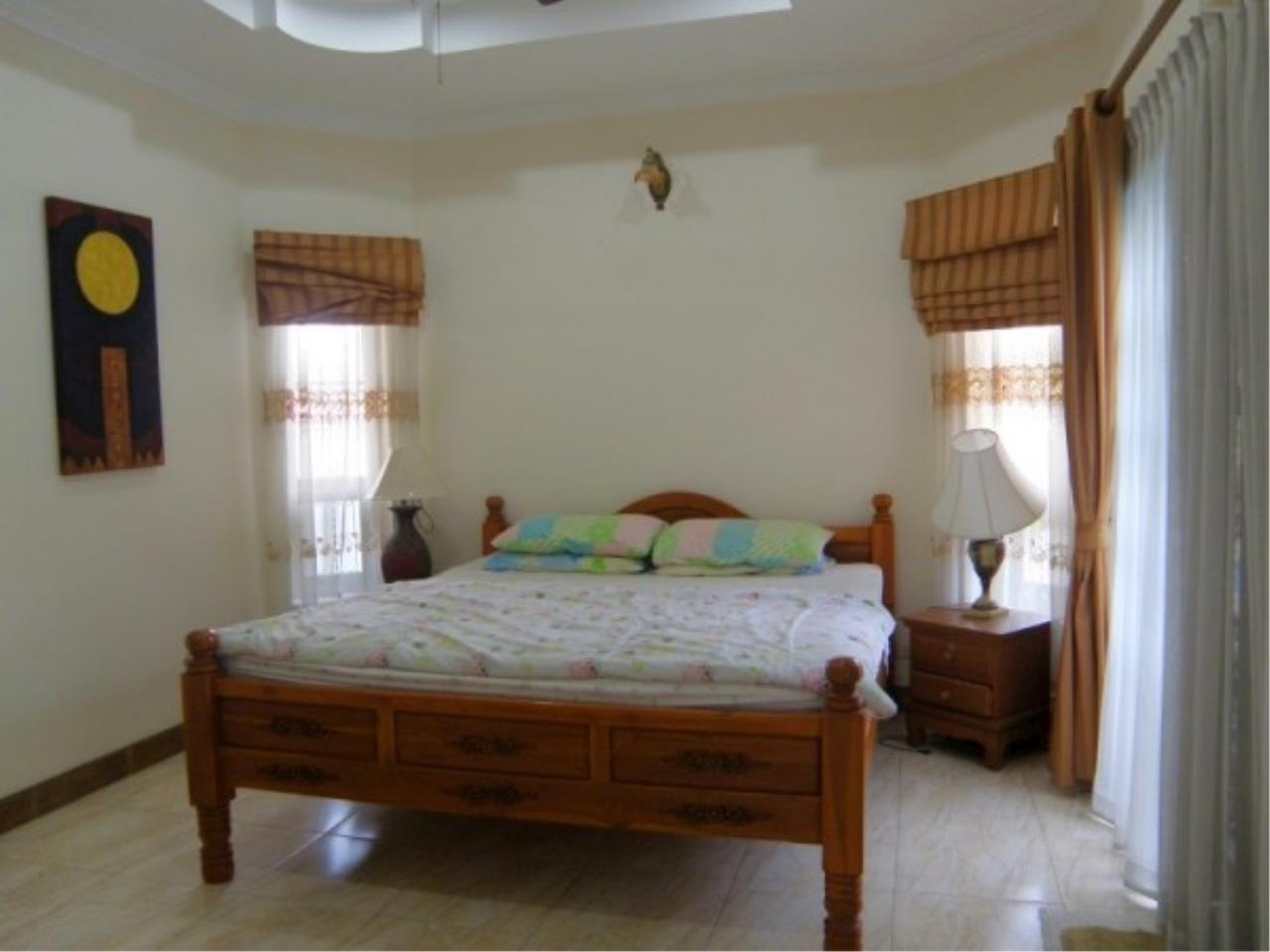 RE/MAX Town & Country Property Agency's Private house and Business Apartment for sale 6