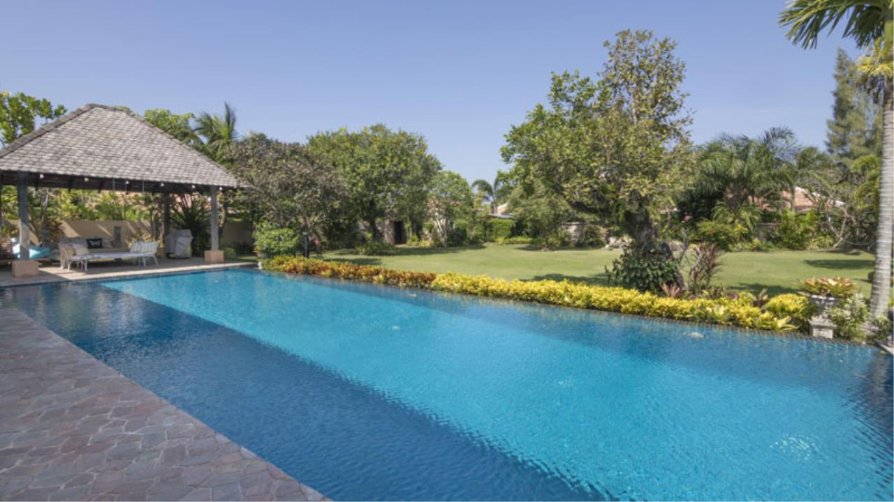 RE/MAX Town & Country Property Agency's Fantastic modern 4 plus bedroom pool-villa in top Mabprachan estate 2