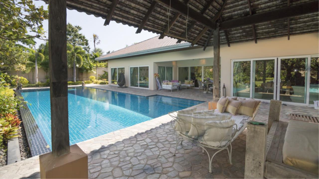RE/MAX Town & Country Property Agency's Fantastic modern 4 plus bedroom pool-villa in top Mabprachan estate 3