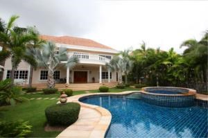 RE/MAX Town & Country Property Agency's House with private pool in Marprachan Lake 1