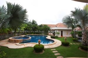 RE/MAX Town & Country Property Agency's House with private pool in Marprachan Lake 2
