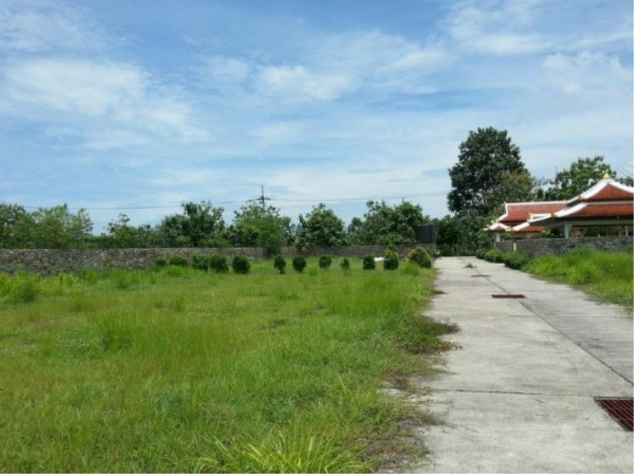 RE/MAX Town & Country Property Agency's Project land available ideal to build your own home! 10