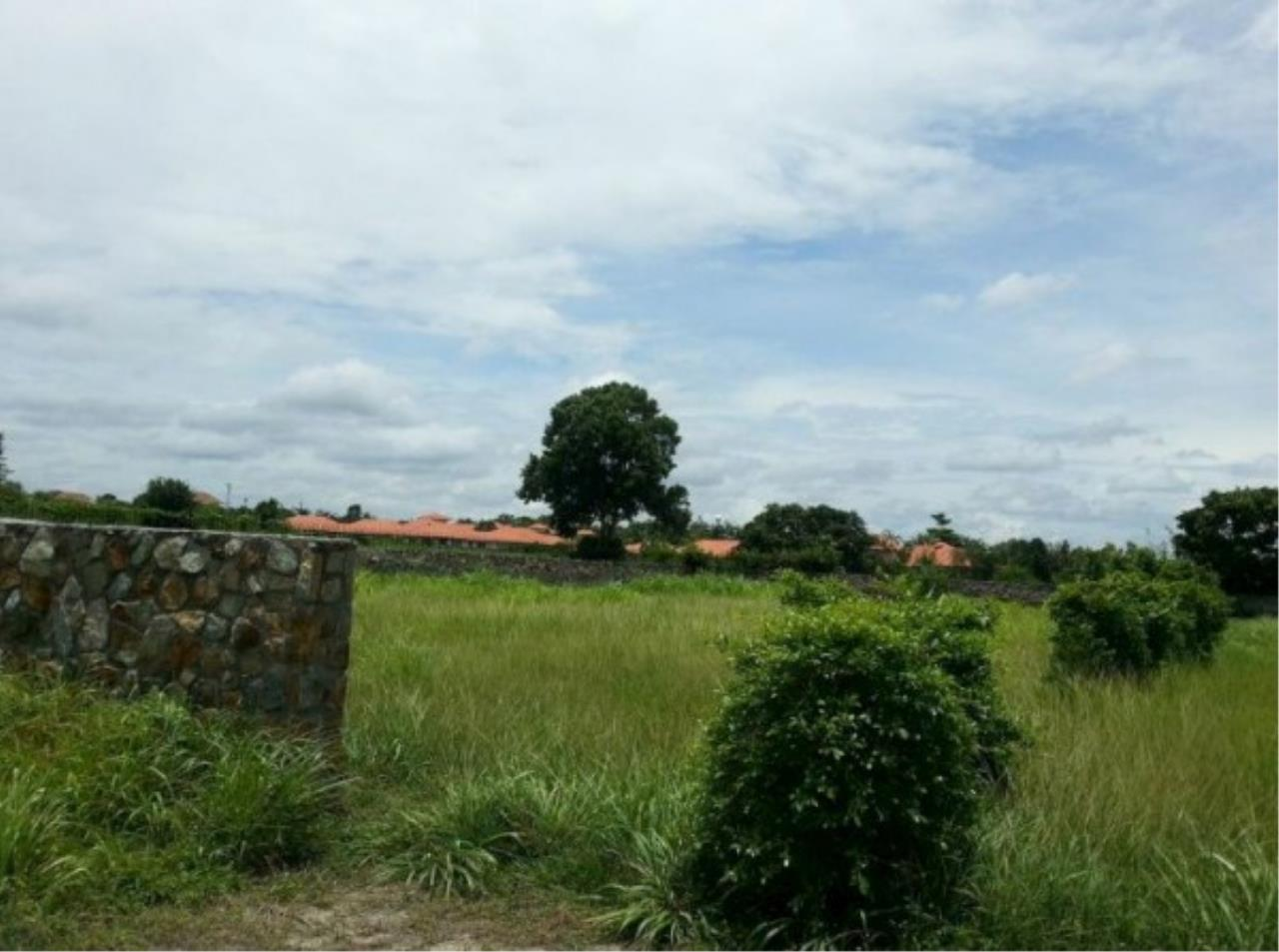 RE/MAX Town & Country Property Agency's Project land available ideal to build your own home! 8
