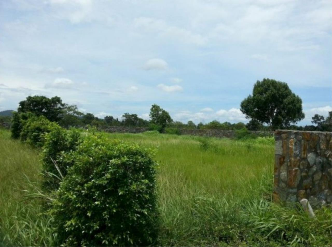 RE/MAX Town & Country Property Agency's Project land available ideal to build your own home! 9