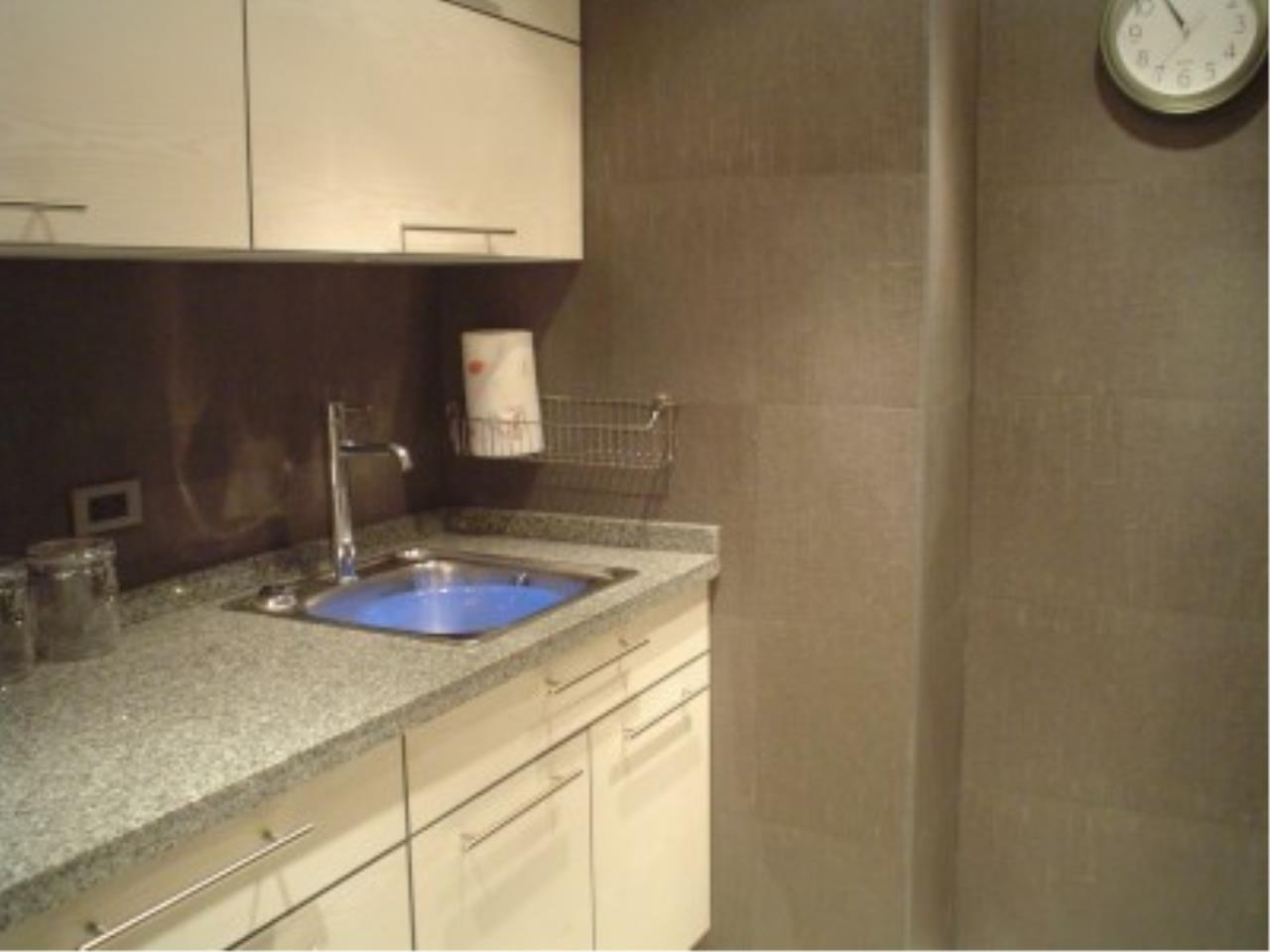 RE/MAX Town & Country Property Agency's Nice condo in Wong Amat. 6