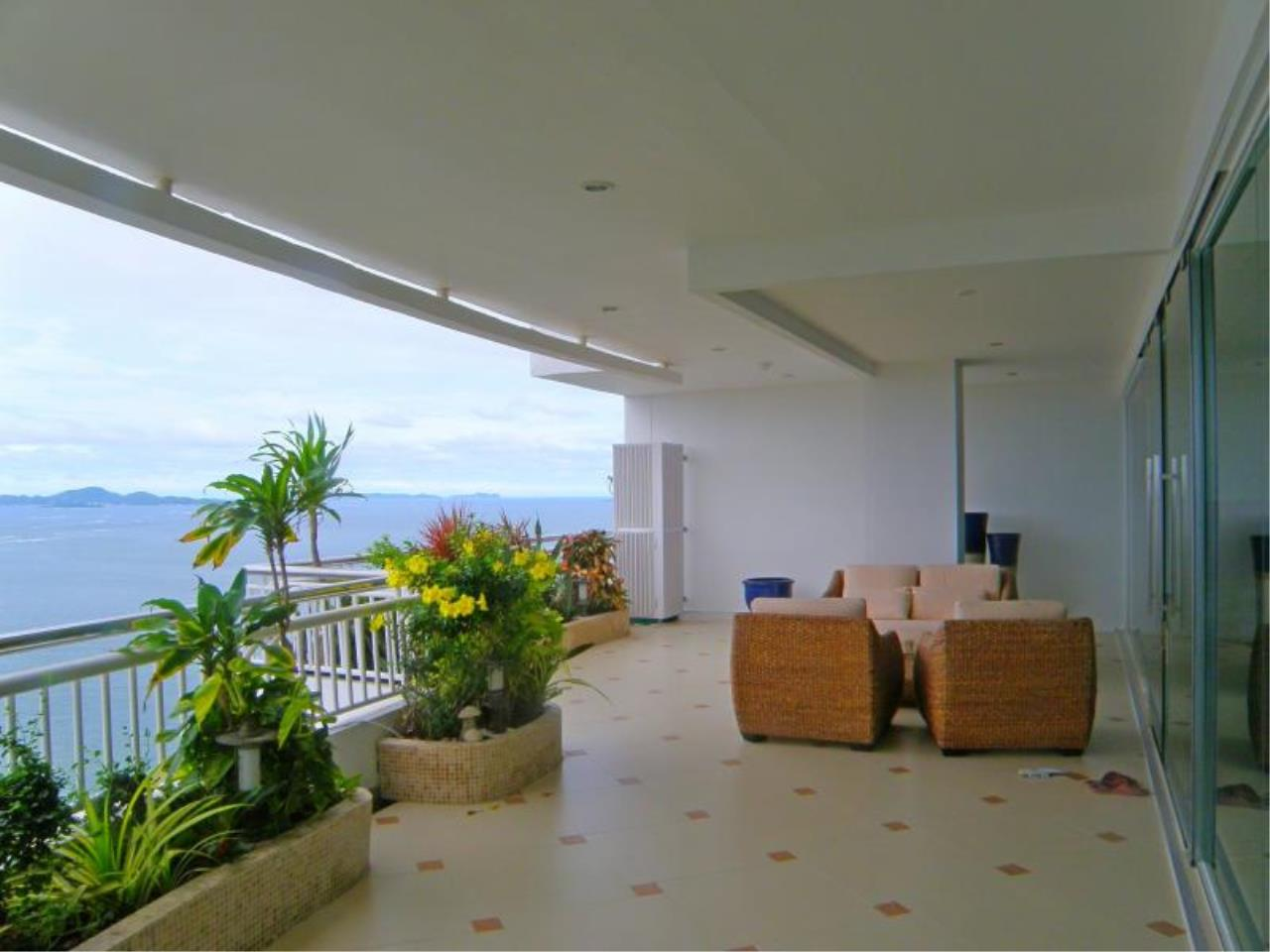 RE/MAX Town & Country Property Agency's Stunning Ocean View - top luxury 12