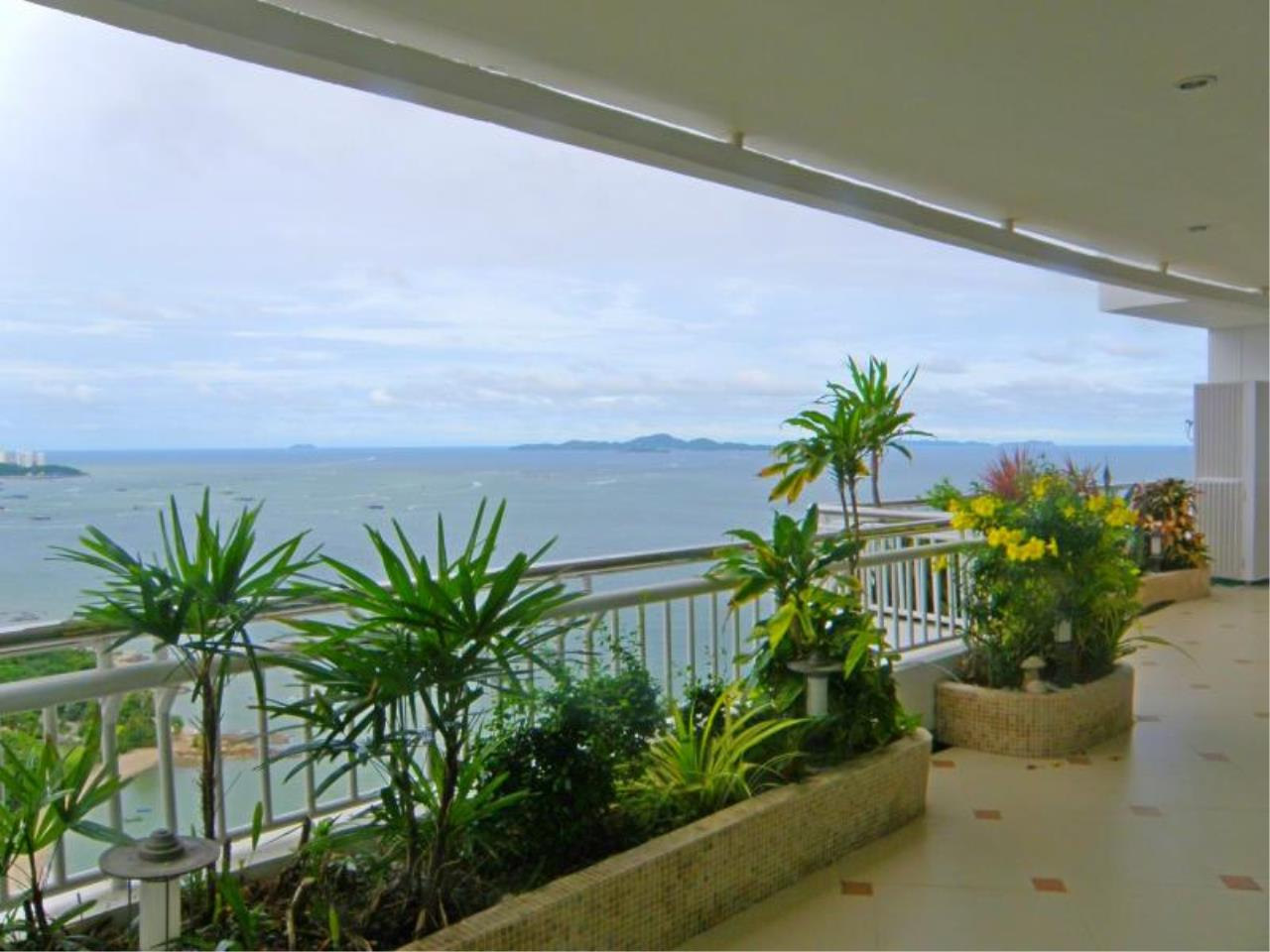 RE/MAX Town & Country Property Agency's Stunning Ocean View - top luxury 11