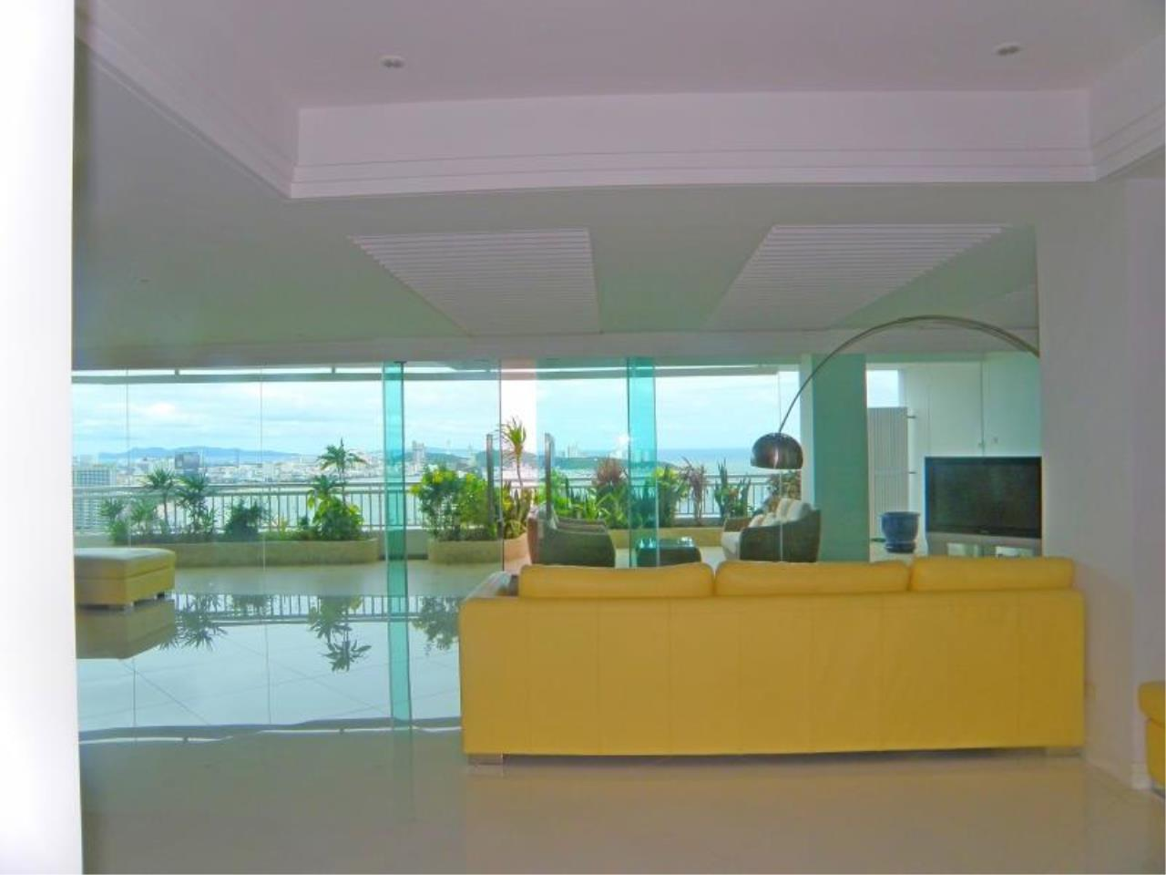 RE/MAX Town & Country Property Agency's Stunning Ocean View - top luxury 8