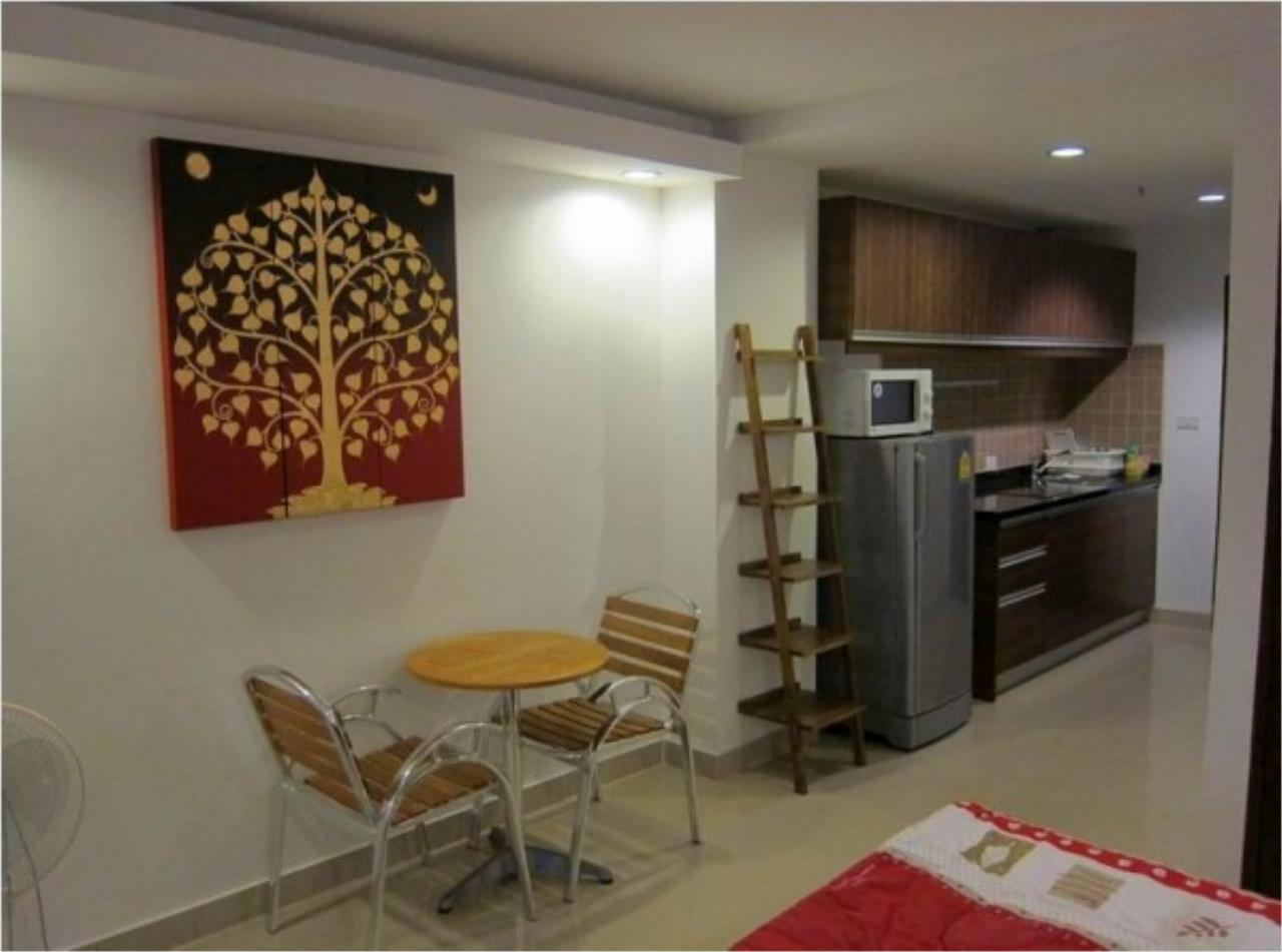 RE/MAX Town & Country Property Agency's Nice condo in Wong Amat 2