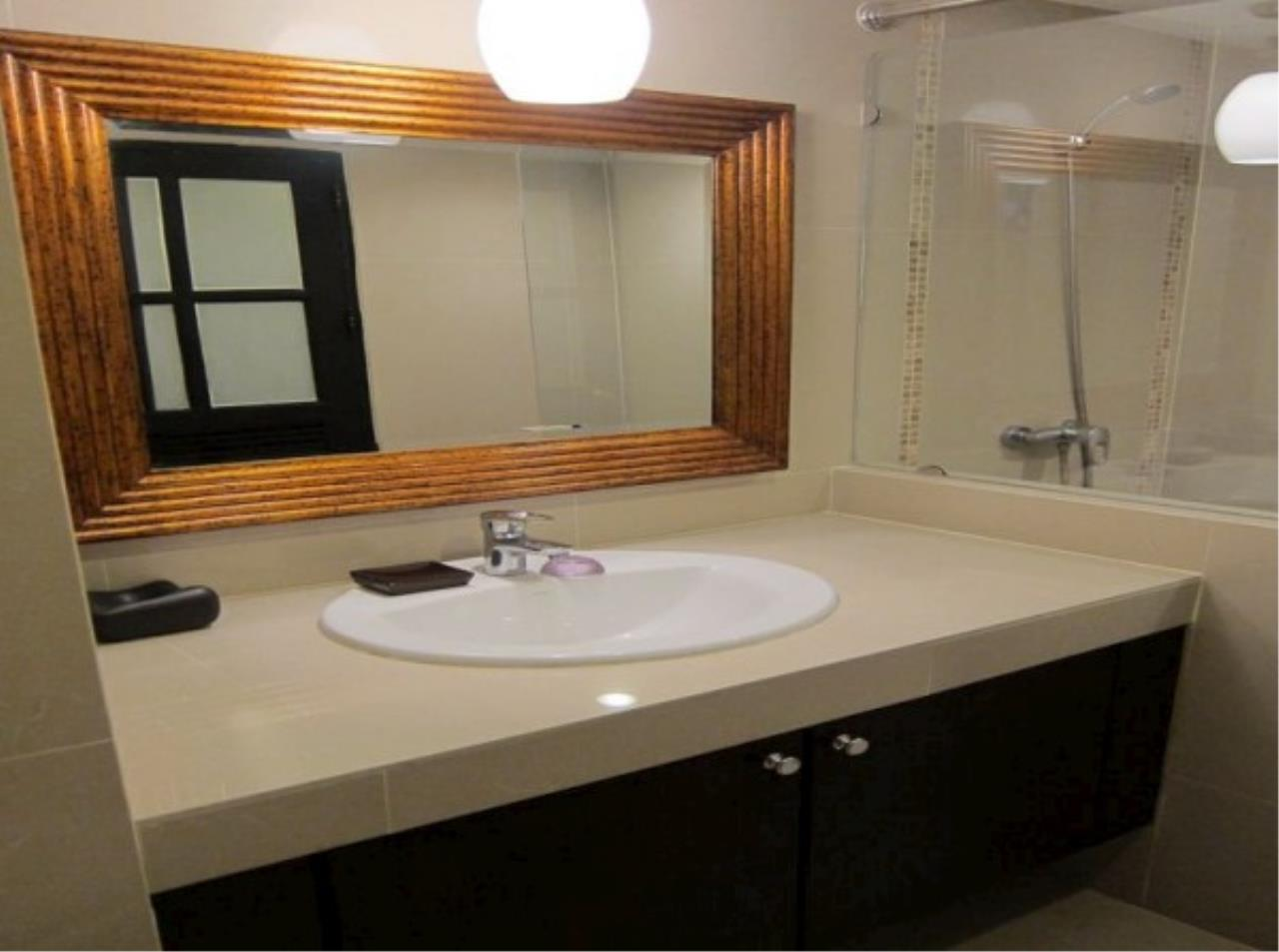 RE/MAX Town & Country Property Agency's Nice condo in Wong Amat 4