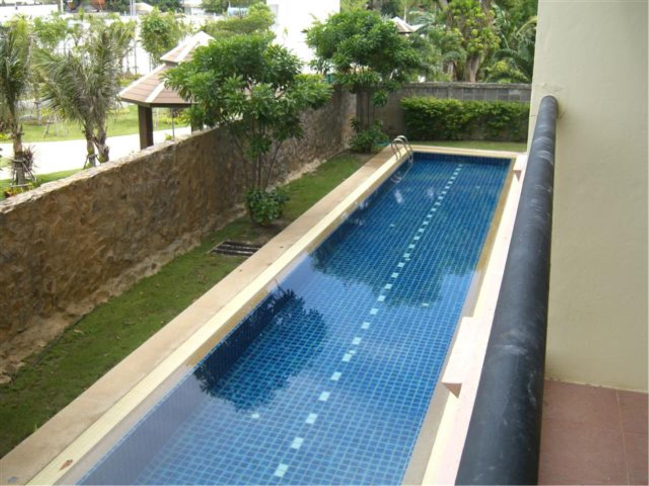 RE/MAX Town & Country Property Agency's Nice condo in Wong Amat 6