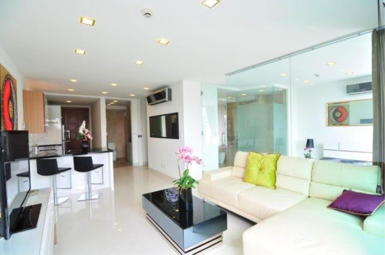 RE/MAX Town & Country Property Agency's Great 2 bedroom in Wong Amat 1