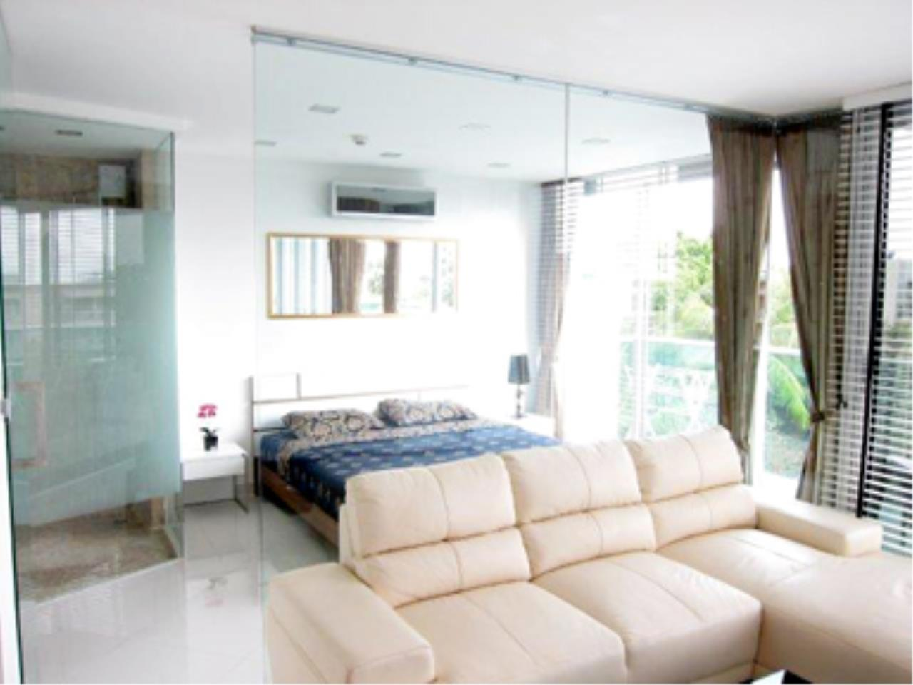 RE/MAX Town & Country Property Agency's Great 2 bedroom in Wong Amat 9
