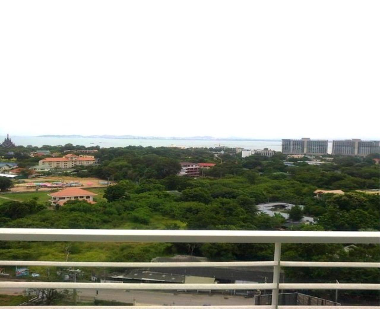 RE/MAX Town & Country Property Agency's Nice condo in luxury Naklua 2